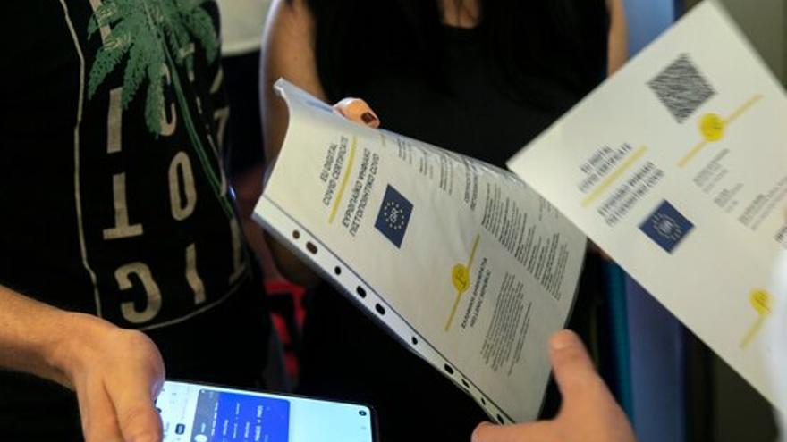 Les persones vacunades a l'estranger podran obtenir el certificat covid digital de la UE