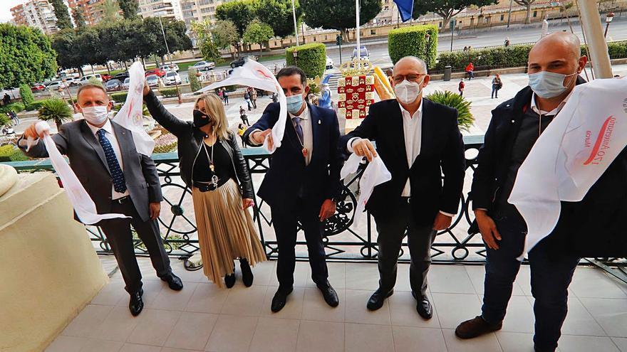Doña Sardina y el Gran Pez rememoran el espíritu festivo del Entierro