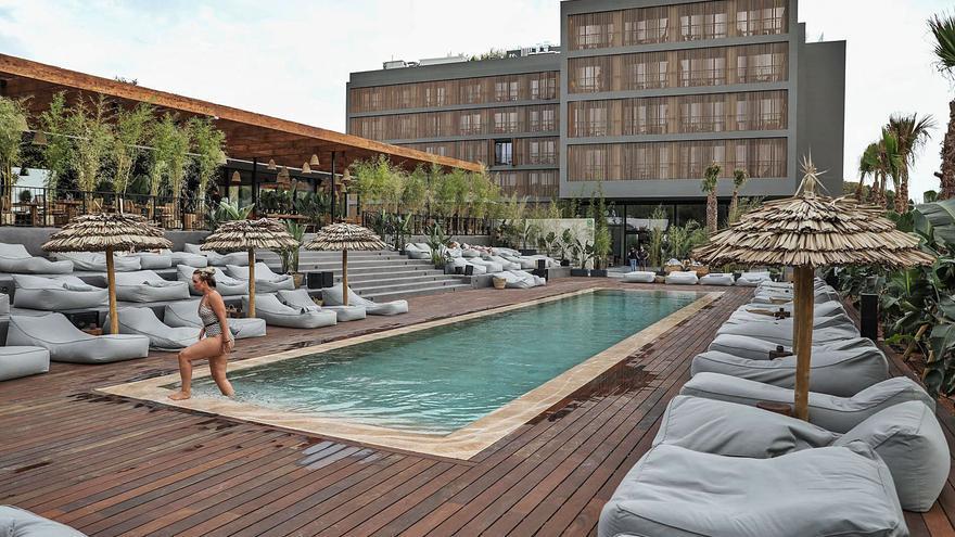 Los hoteles de las Pitiusas registraron en julio casi un millón de pernoctaciones