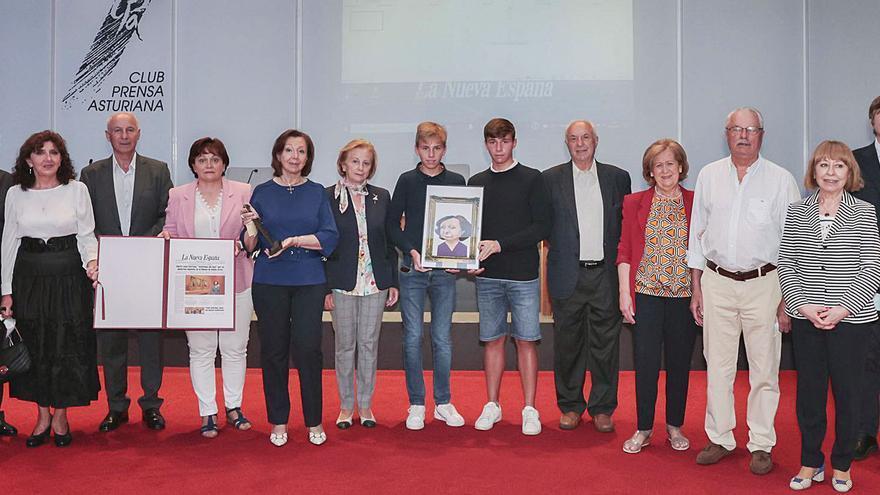 Por la izquierda, Gonzalo Martínez Peón, Eduardo Suárez, María Luisa Corrada y Ángeles Rivero. | Irma Collín
