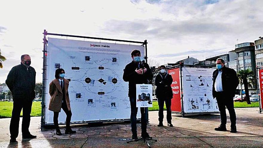 La exposición '[Es]Pazo de Meirás', sobre la historia del inmueble, llega a la plaza Suárez Picallo de Sada