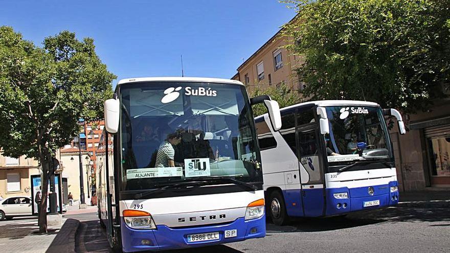 El autobús que va a la UA vertebrará las comarcas del interior