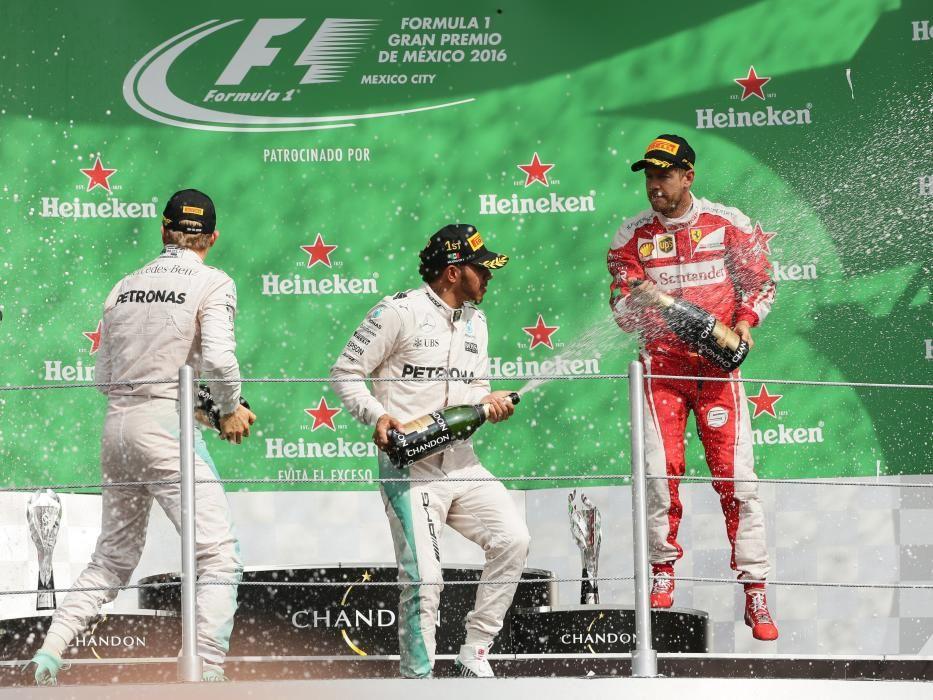 Idéntico resultado al de Austin fue el de México, con Hamilton dominando de principio a fin y Rosberg en segunda posición.