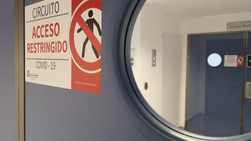 Málaga instala camas en otros hospitales con la tercera ola disparada