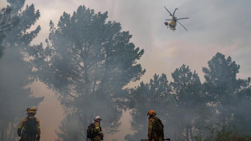 El incendio en Lugo se acerca peligrosamente a las zonas habitadas