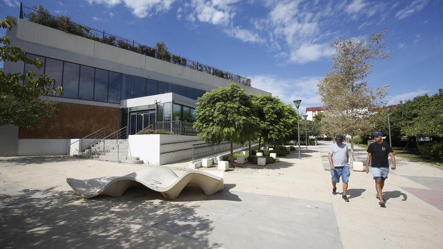 Quejas de clubes de natación por la nueva avería de la piscina de Vía Parque que obliga a su cierre