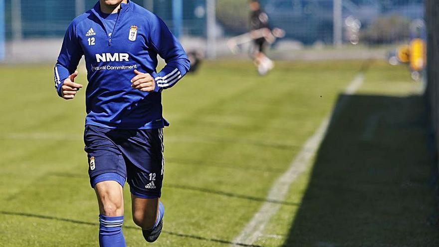 Nieto ve más cerca su regreso al Real Oviedo tras comenzar a ejercitarse en El Requexón