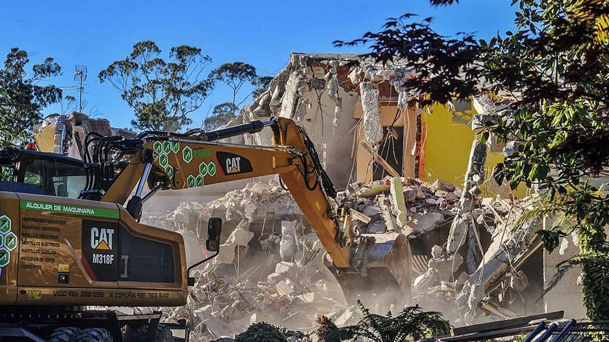El 'ti vai facendo' deja 38 millones en multas por construcciones ilegales en una década