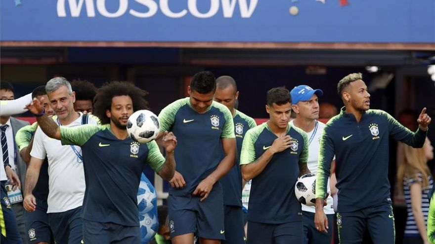Brasil camina por la cornisa pero puede darse el lujo de caer como un gato