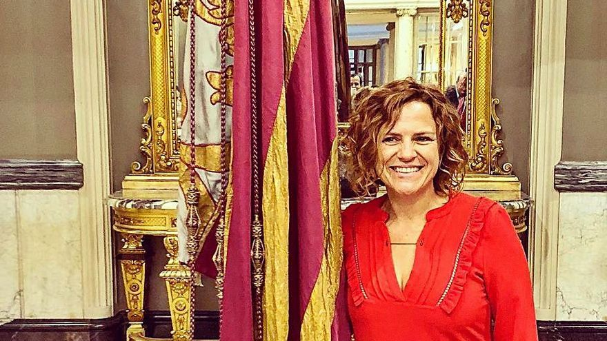 Pilar Bernabé portará la «Senyera» el 9 d'Octubre