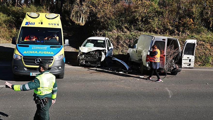 Una colisión en Cortegada se salda con tres heridos leves