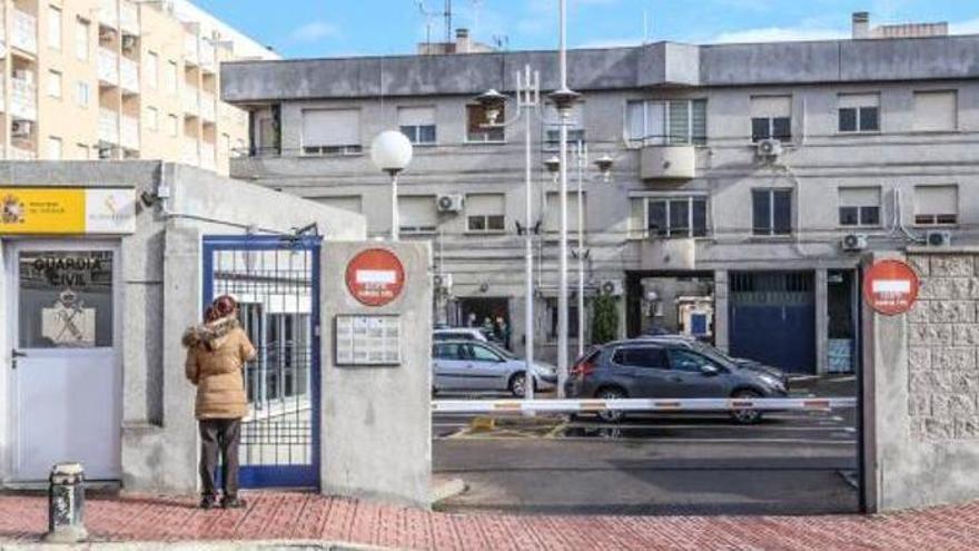 Asesinan a una joven de un disparo en la cabeza en una vivienda de Torrevieja