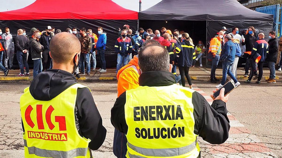 Protesta sindical para exigir una solución al problema energético de la industria. |   // ELISEO TRIGO