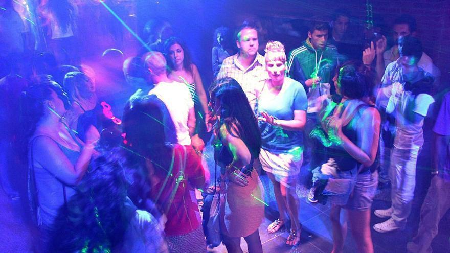 El fin de tablaos y karaokes abre una vía para la reconversión de decenas de locales nocturnos