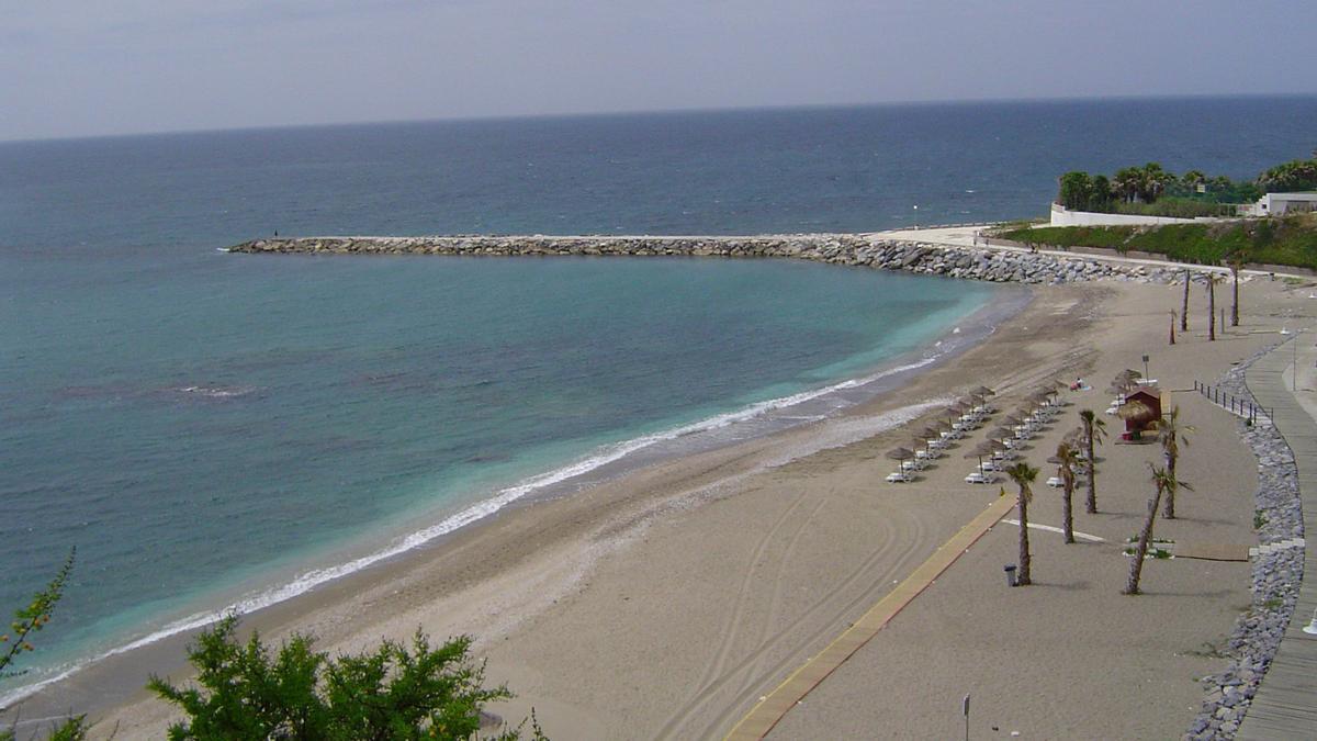El artefacto fue detonado en la playa de Torrevigía, en Benalmádena.