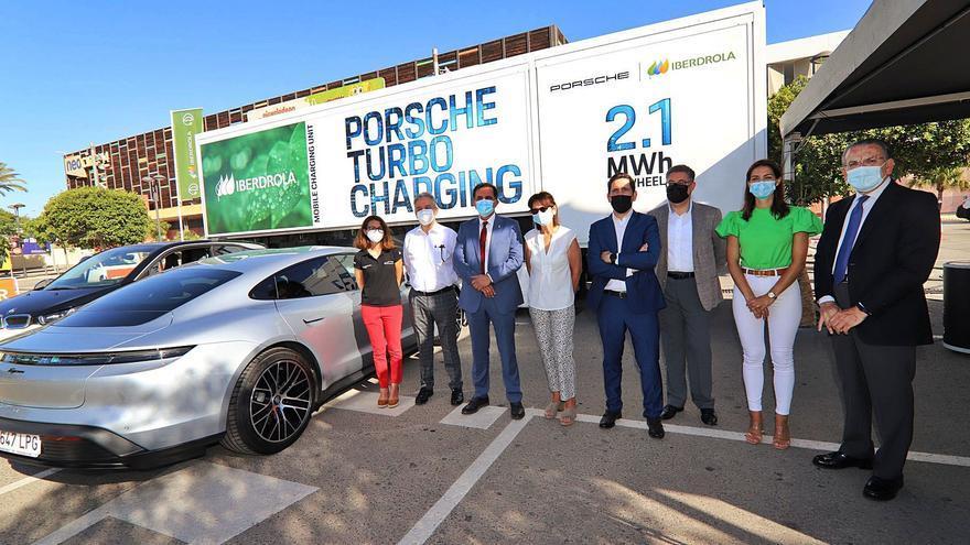 Llega a Murcia la primera unidad móvil de recarga ultra rápida para vehículos eléctricos