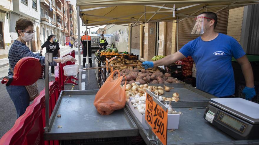 Torrent recupera el mercado ambulante de los viernes