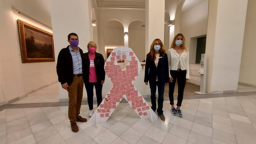 Igualada té un llaç ple de missatge en rosa per al dia del càncer de mama