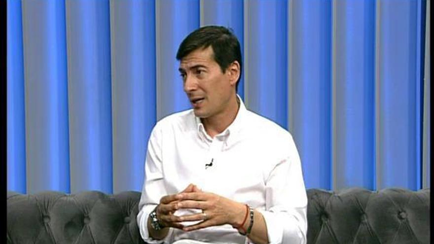 El alcalde de Burjassot, Rafa García, responde a las preguntas de Levante TV
