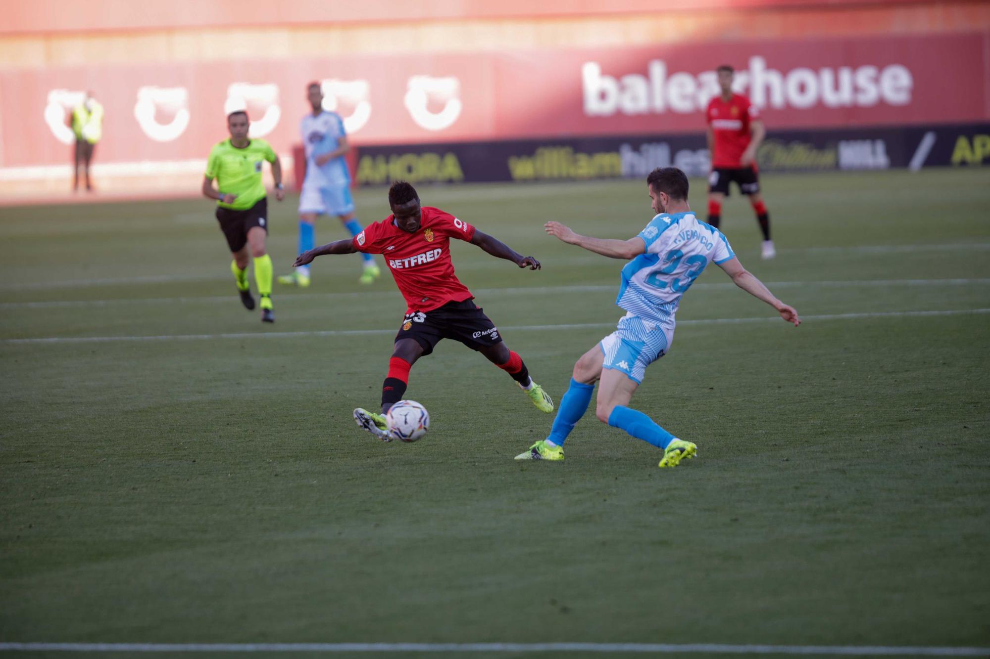 El Mallorca vuela a Primera División