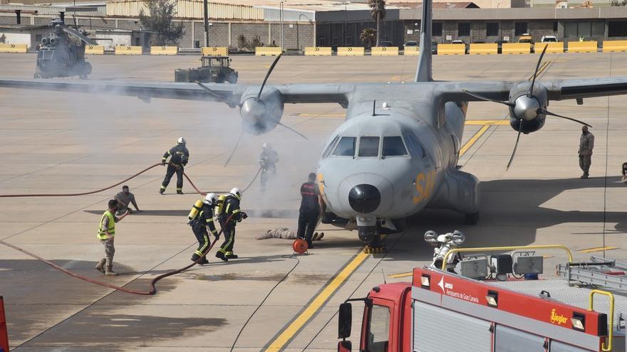 Simulacro general de accidente aéreo en coordinación con la Base Aérea de Gando
