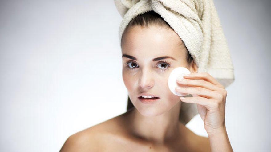 Cómo hacerte una limpieza de cara en casa