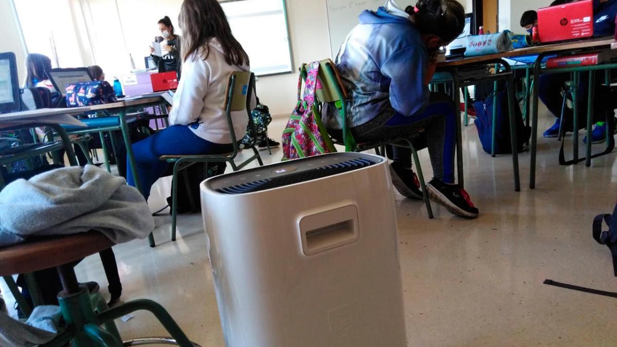 Coronavirus en Galicia | La Xunta veta los purificadores de aire para las  aulas en los centros educativos