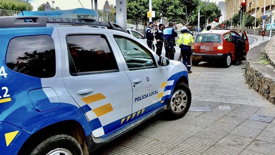 Dos policías resultan heridos en una persecución por Santa Cruz y La Laguna