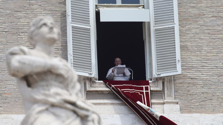 El papa, hospitalitzat a Roma per sotmetre's a una operació programada de còlon