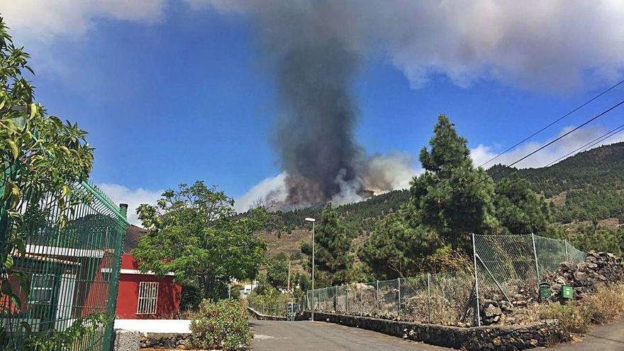 """Erupción en La Palma: """"Ya reventó el volcán"""""""
