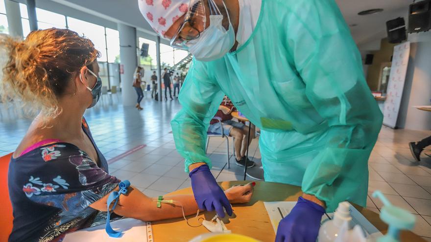 Dos fallecidos más en la provincia por covid, 26 nuevos hospitalizados y 5 pacientes más en UCI