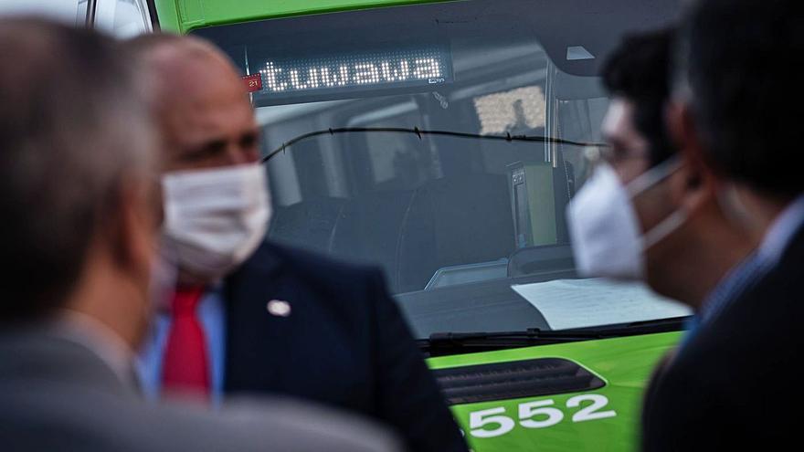 El Cabildo deja de prestar el servicio de transporte a la demanda 'tuwawa'