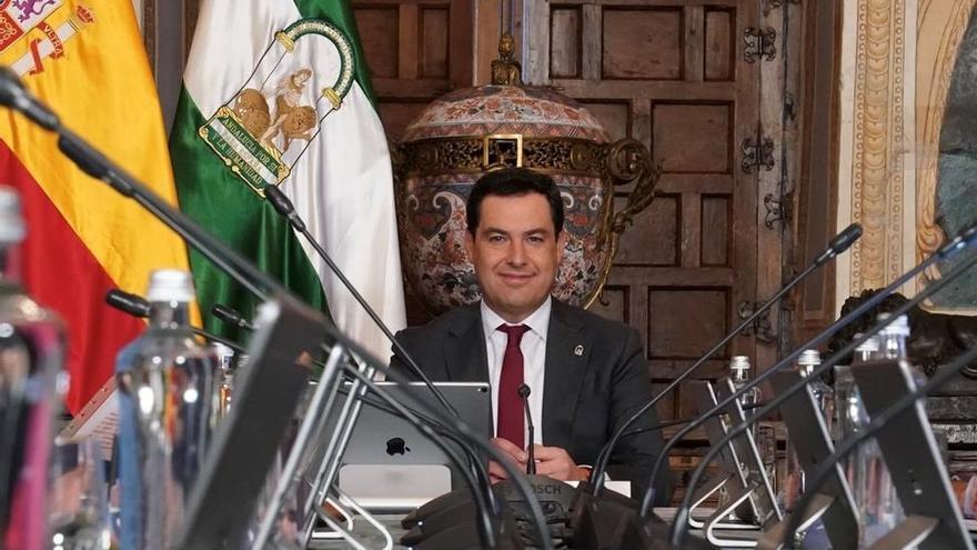 """Juanma Moreno defiende contactos con Sputnik para """"tener en cuenta"""" la vacuna"""