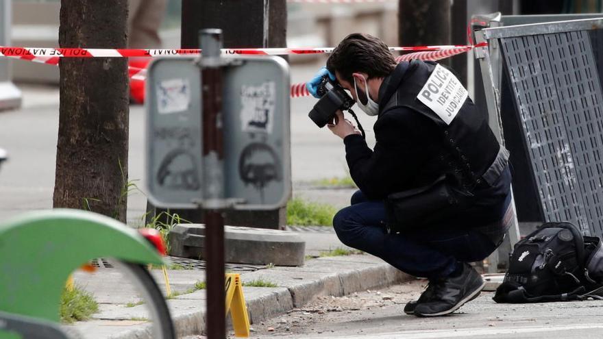Una persona morta i una de ferida en un tiroteig a París