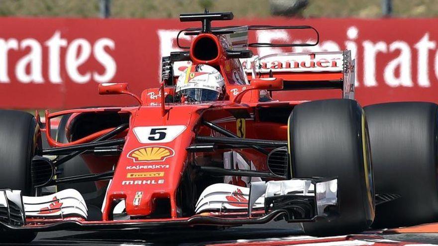 Vettel domina los terceros libres en Hungaroring
