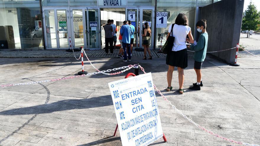 Casi 4.000 citas para vacunarse contra el COVID en A Coruña y Cee en la recta final de la vacunación