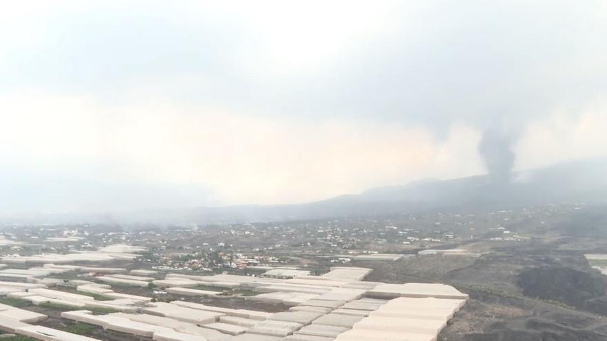 Imágenes aéreas del volcán de La Palma en el sexto día de erupción