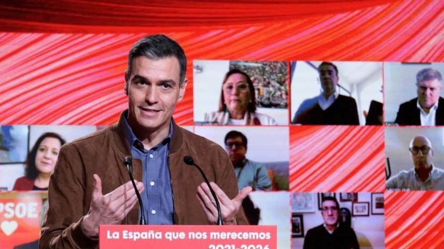 """Sánchez: """"El 70 % de la población española estará vacunada en verano"""""""