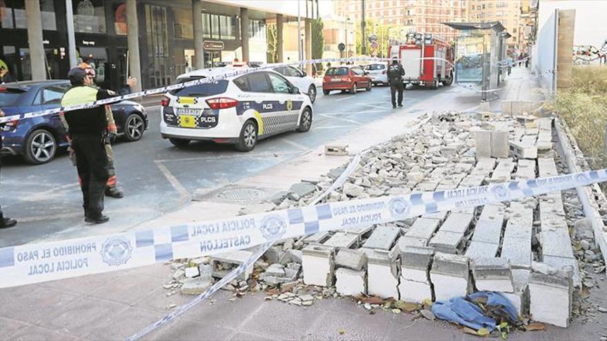 El Ayuntamiento lleva ante el juez la caída del muro que hirió a la menor