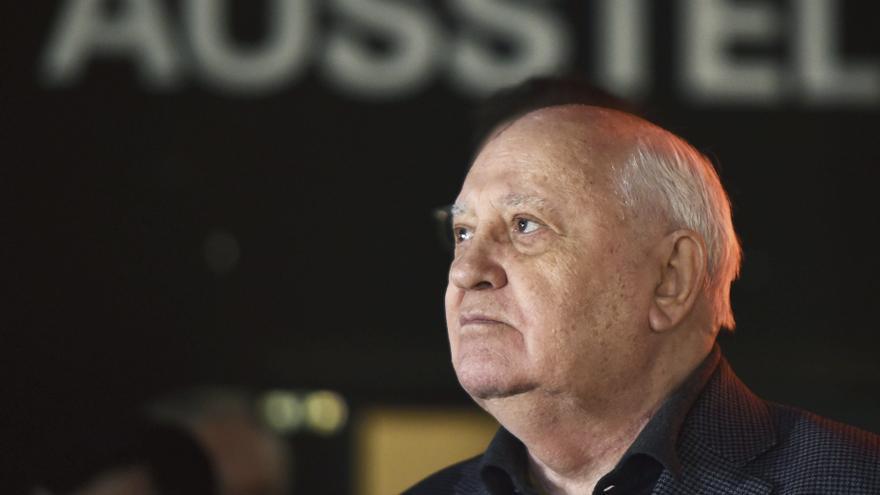Gorbachov llama a Putin y a Biden a reunirse para lograr el desarme nuclear