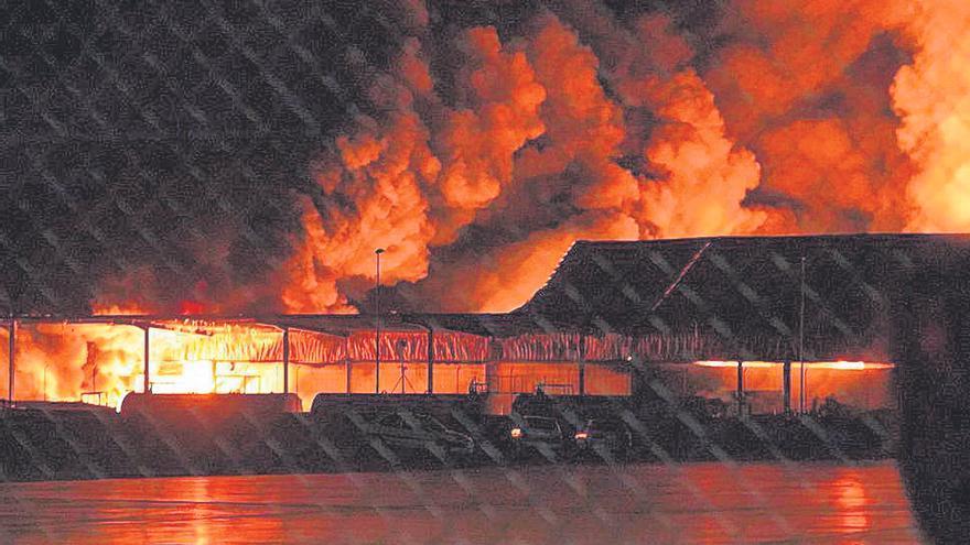 Dos incendios y el choque de un tren