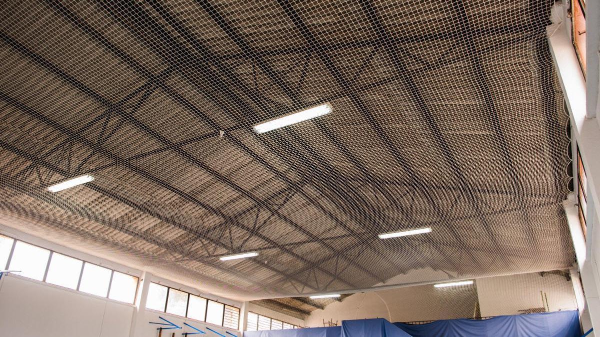Uno de los tejados de fibrocemento que serán retirados