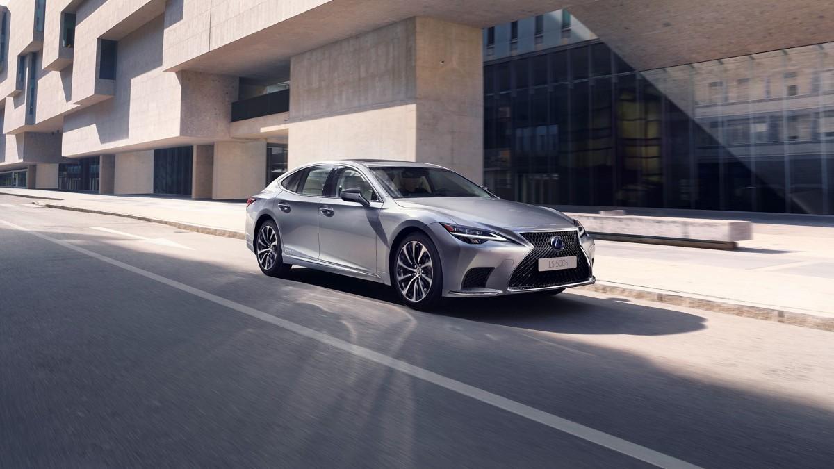 Lexus LS 500h 2021: más rendimiento eléctrico para la berlina de lujo de Lexus