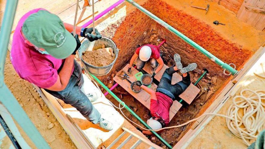 Siete años de rastreo en las fosas tras los restos óseos  de dos fusilados de Benifaió