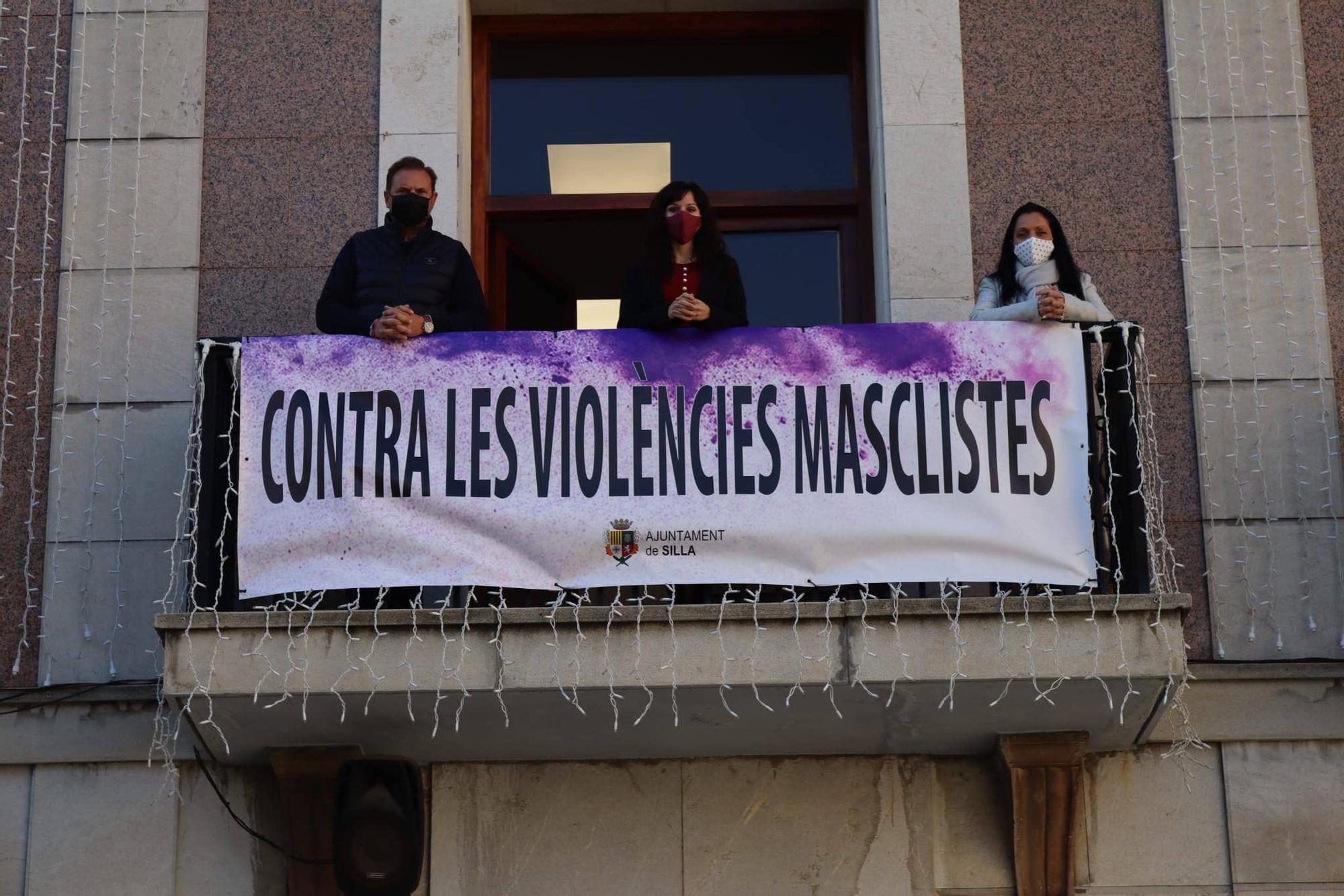 Silla, pancarta en el ayuntamiento.