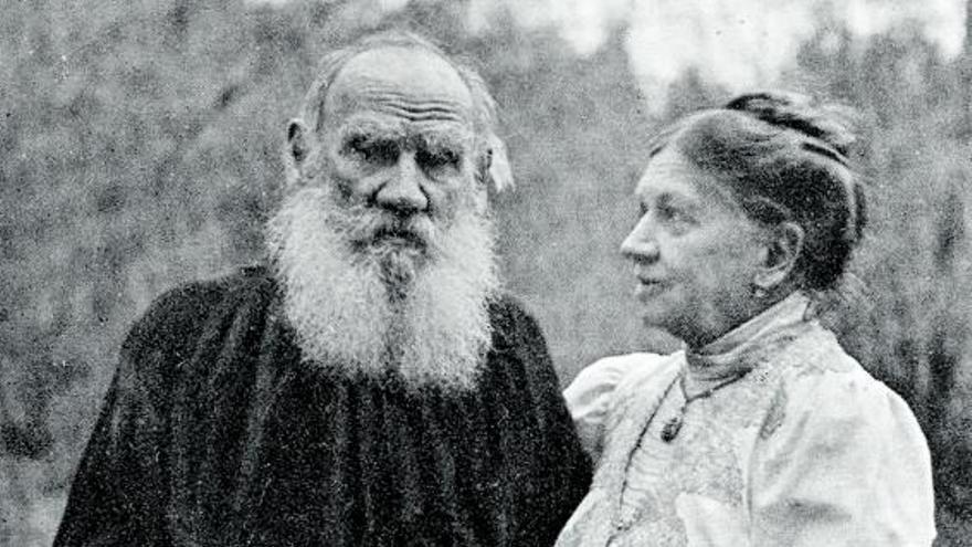 """La gesta de coronar el """"ochomil"""" de Tolstói"""