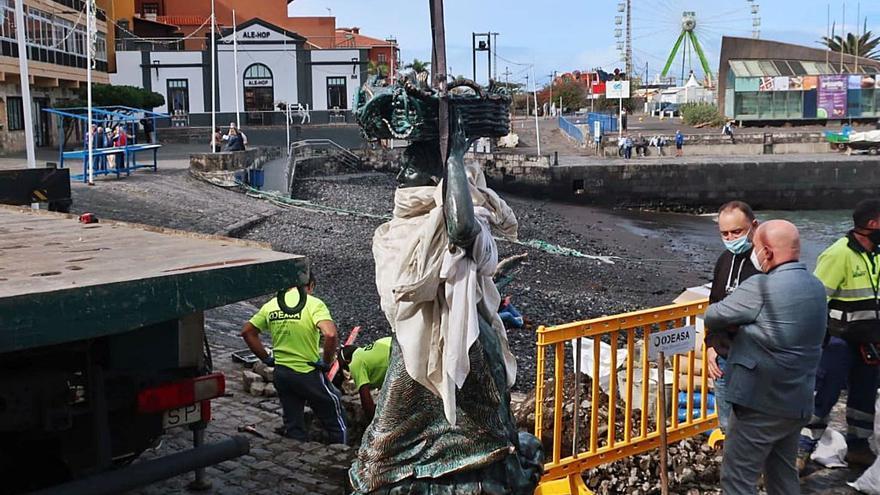 La Pescadora vuelve al muelle de Puerto de la Cruz