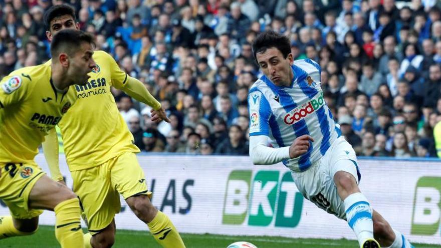 El Villarreal remonta a la Real
