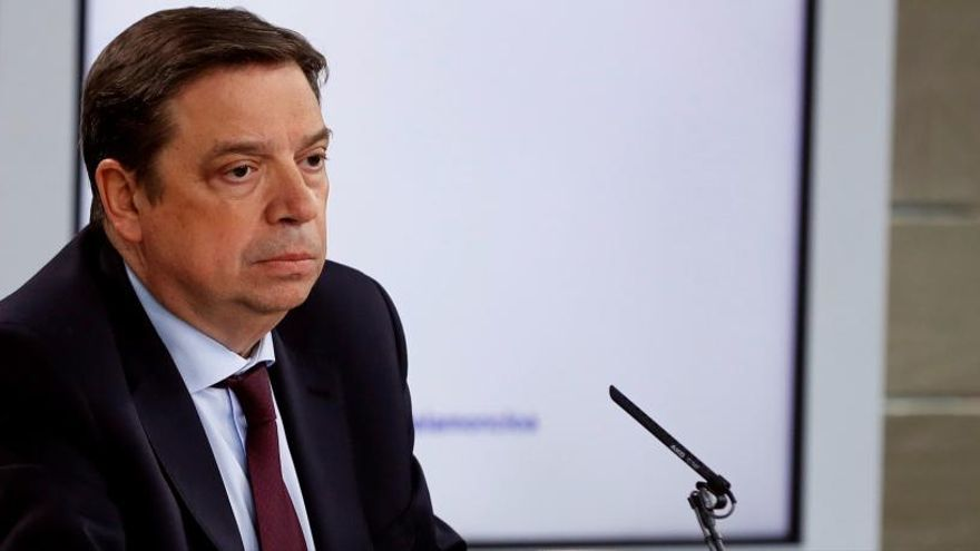 El ministro Planas urge la fijación de cupos definitivos de pesca tras el brexit