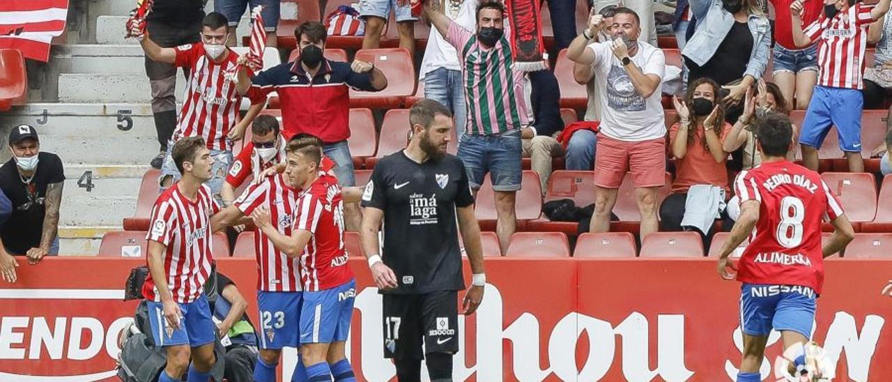 Liga Smartbank 2021/2022 I Partido entre el Sporting y el Málaga CF en El Molinón